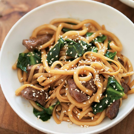 Stir-Fried Teriyaki Beef with Noodles and Greens