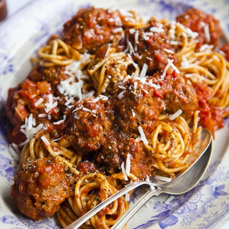 Rich Tomato Italian Meatballs with Linguine